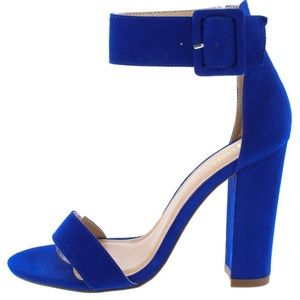 Shoes - 🆕Royal Blue Ankle Strap Sandals With Large Buckle